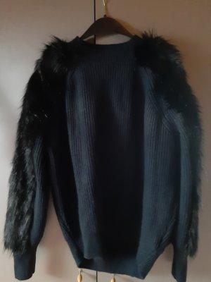 H&M Pullover mit Fellärmeln