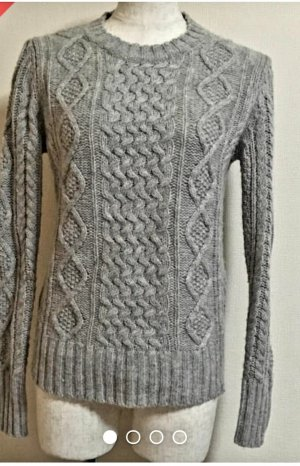 H&M Pull torsadé gris