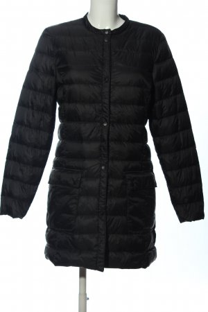 H&M Chubasquero negro estampado acolchado look casual