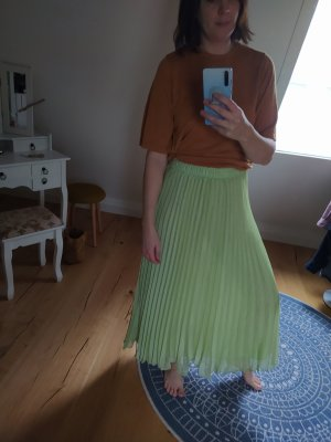 H&M Pleated Skirt pale green