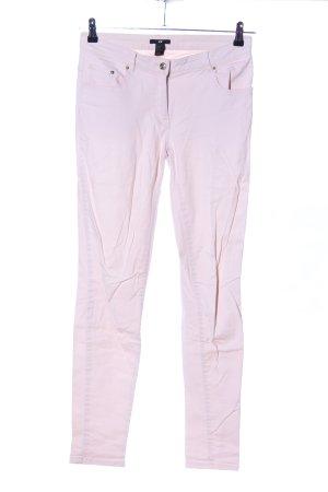 H&M Pantalón de tubo rosa look casual
