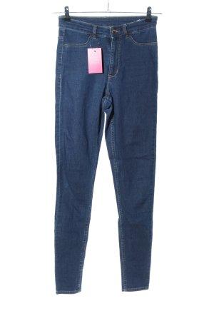 H&M Vaquero pitillo azul look casual