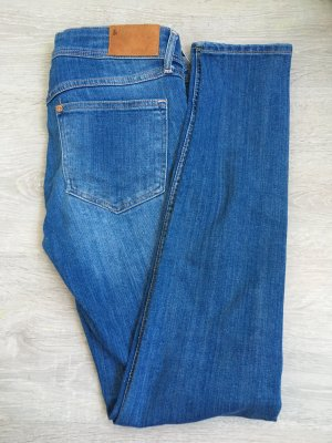 H&M Röhrenjeans Jeans blau 27/30