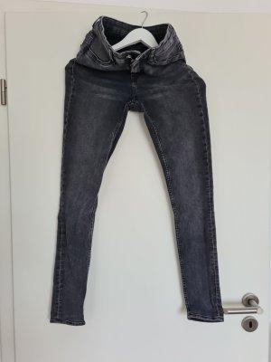 H&M Röhrenjeans super skinny Jeans enge Hose 36 grau