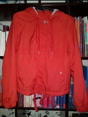 H&M rote Regenjacke, 36