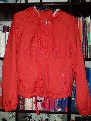 H&M Divided Regenjas rood