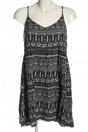 H&M Backless Top black-white graphic pattern casual look