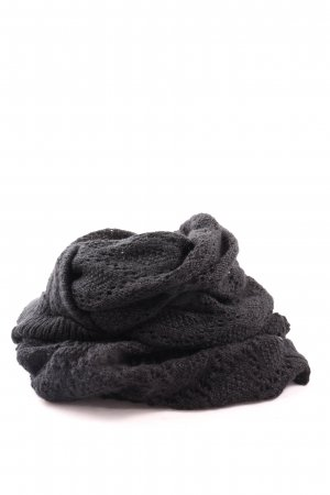 H&M Caperuza negro look casual