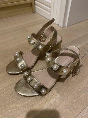 H&M Sandaletten Gold Perlen