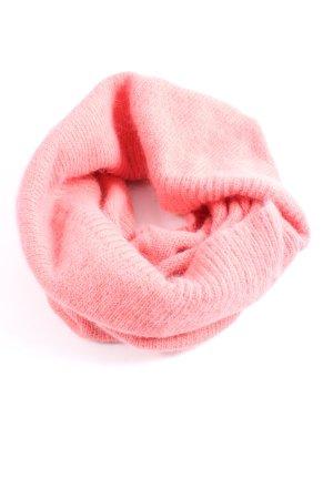 H&M Bufanda tubo rosa look casual