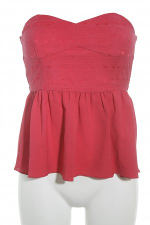 H&M schulterfreies Top rot Street-Fashion-Look