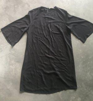 """H&M schwarzes Kleid / HM Dress- gr. 40, Sehr schick, modern, zeitlos & vielseitig. Kann elegant oder lässig getragen werden! Fließendes & weiches Material und """"Slimming"""" / schmeichelhafte Passform, Perfekt für Sommer!"""