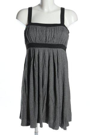 H&M Vestido estilo camisa gris claro moteado look casual