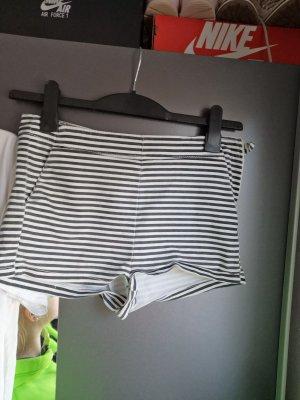 H&M Denim Shorts white-black