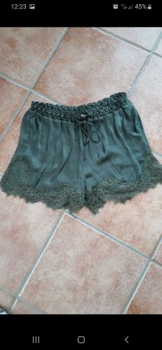 H&M Shorts olive green