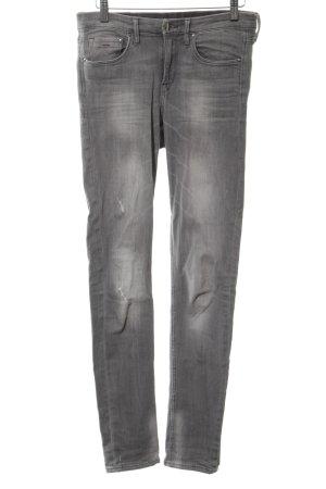H&M Vaquero slim gris claro look casual
