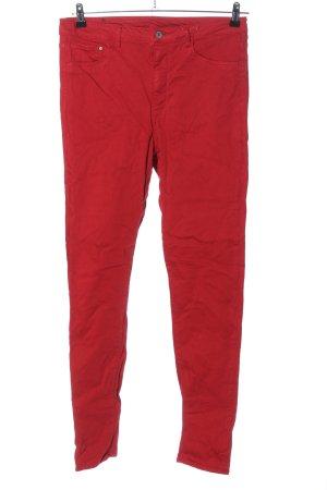 H&M Vaquero slim rojo look casual