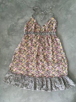 H&M Sommer Halter Schulterfreies Kleid / HM Dress, gr.  44, Midikleid, ungefähr Knielänge, Blogger-Stil, sehr feminin, hübsch, sommerlich.  Sehr schmeichelhafter &fließender Stil mit dehnbaren Taille Bund