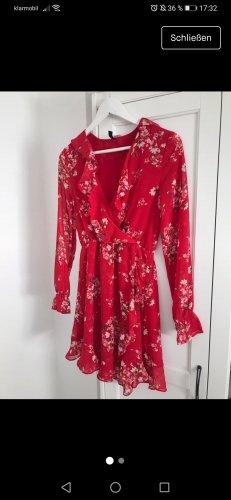 H&M Divided Vestido estilo flounce blanco-rojo