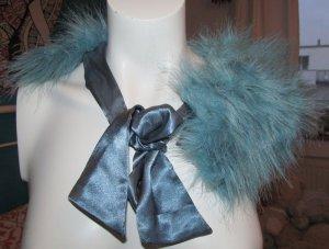 H&M Caperuza azul neón