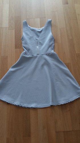 H&M Streifen Kleid