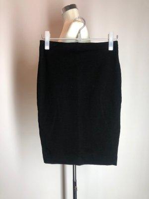 H&M Stretchrock, schwarz