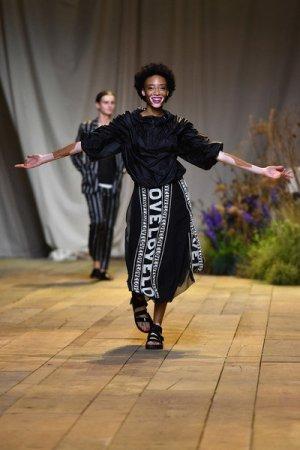 H&M Studio Asymmetry Skirt black-white