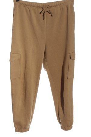 H&M Pantalón deportivo marrón look casual