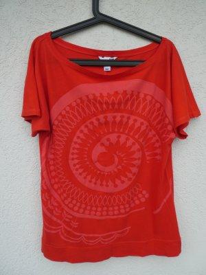H&M  – T-Shirt, rot mit Aufdruck - Gebraucht
