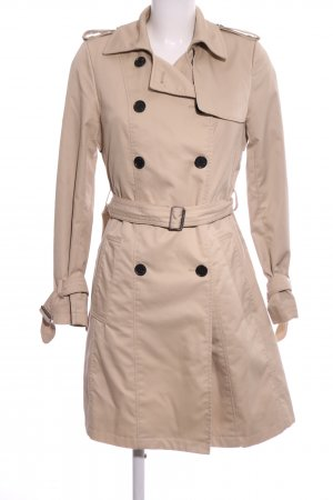 H&M Trenchcoat room elegant