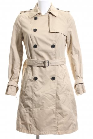 H&M Trenchcoat room casual uitstraling