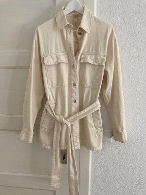 H&M Trend Hemd Bluse Jeanshemd Overshirt beige oversize Gürtel