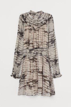 H&M Trend Premium gesmoktes Chiffonkleid nude neu Gr. 36 Blogger Frühling