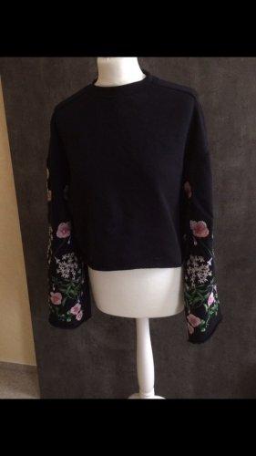 H&M Trend Pullover Stickerei Glockenärmel Crop