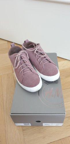H&M Veloursleder Sneaker
