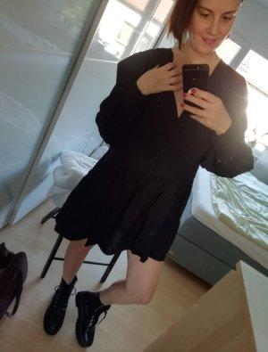 H&M weites Kleid kurz Volants schwarz langarm Minikleid