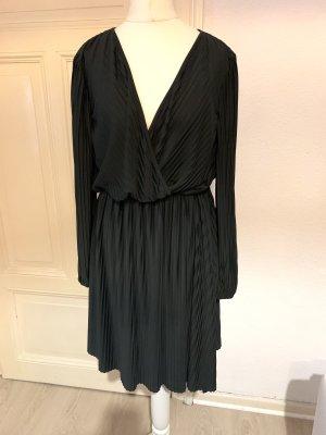 H&M Wickeloptik Kleid
