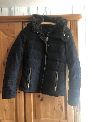 H&M Winterjacke mit Fellkragen und herausnehmbarer Kapuze