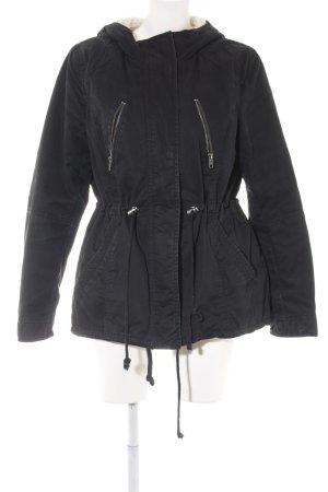H&M Winterjacke schwarz-creme Casual-Look