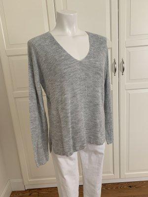H&M wunderschöner Pullover hellgrau V-Ausschnitt Gr. S 38 Viskose wie neu