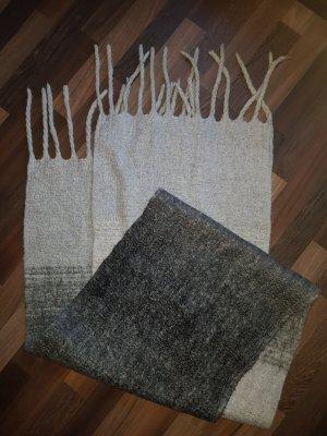 H&M Fringed Scarf light grey-grey
