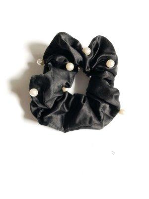 Haargummi Scrunchie schwarz Perlen