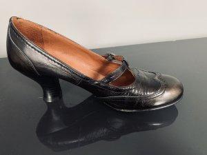 Habe die Schuhe zum Dirndl getragen.....