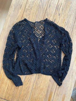 Szydełkowany sweter czarny