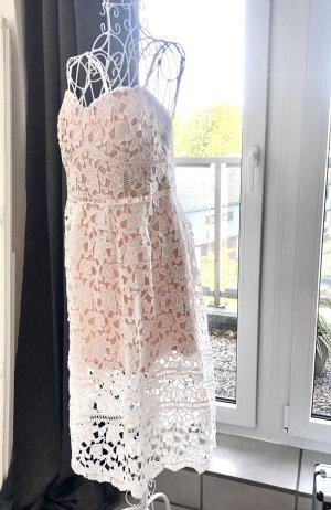 Häkelkleid Bustier weiß nude Self-Potrait floral guipure weiße Blumen Spitze embroidery Ösen L 40 lang