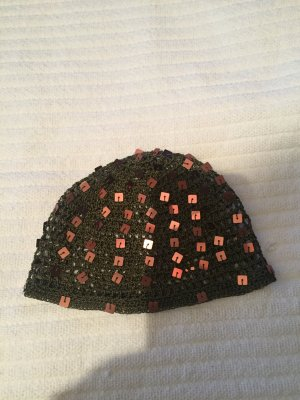 Cappello all'uncinetto marrone-nero-marrone scuro