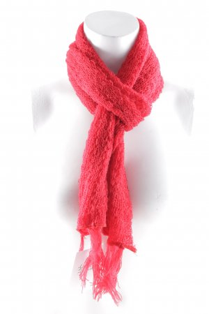 Crochet Scarf red casual look