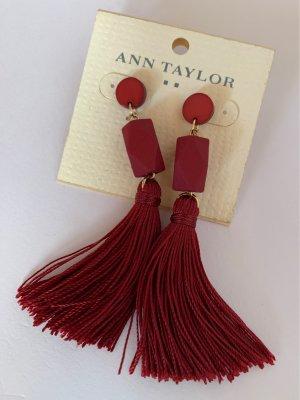 Ann Taylor Kolczyk ze sztyftem głęboka czerwień