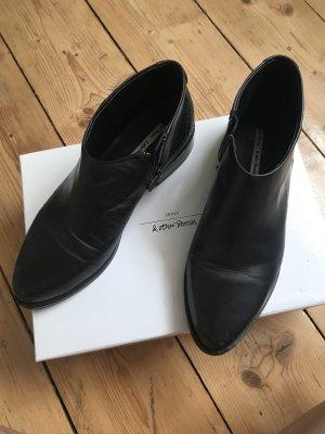 Halb-Boots Echtleder & other Stories