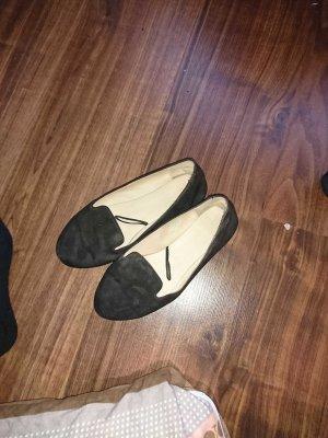 Halb Schuhe mit Gebrauchsspuren